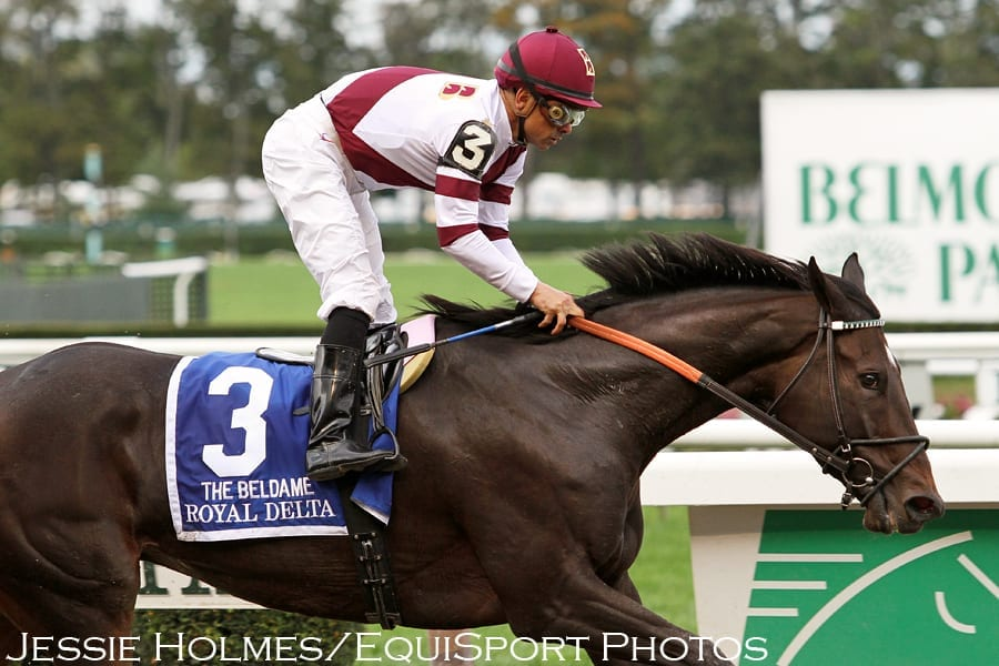Royal Delta dominates field in Beldame Stakes