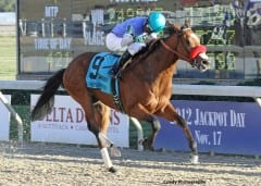 Goldencents wins the 2012 Delta Downs Jackpot