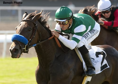 Lady of Shamrock wins American Oaks