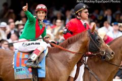 John Velazquez & Animal Kingdom after winning 2011 KY Derby