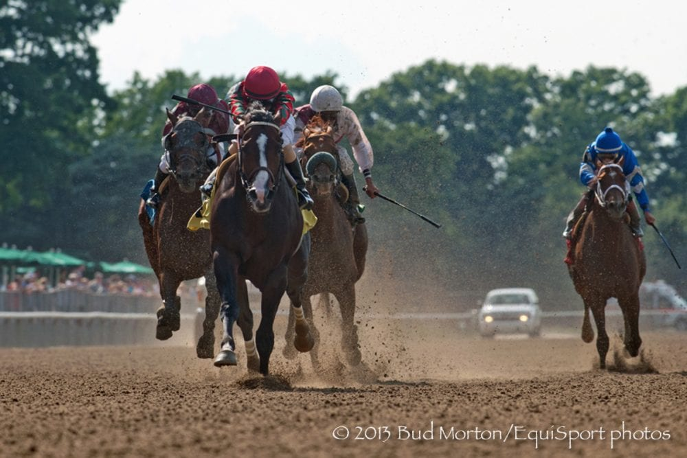 Flat Out dominates in the 2013 Suburban Handicap