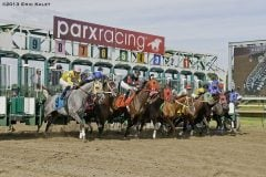 Racing_at_Parx_starting_gate