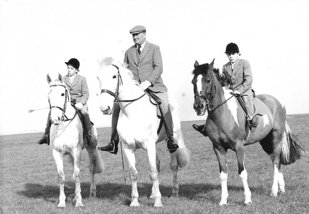 Young Henry Cecil (L), with Captain Sir Cecil Boyd-Rochfort, and David Cecil (R), Henry's twin brother