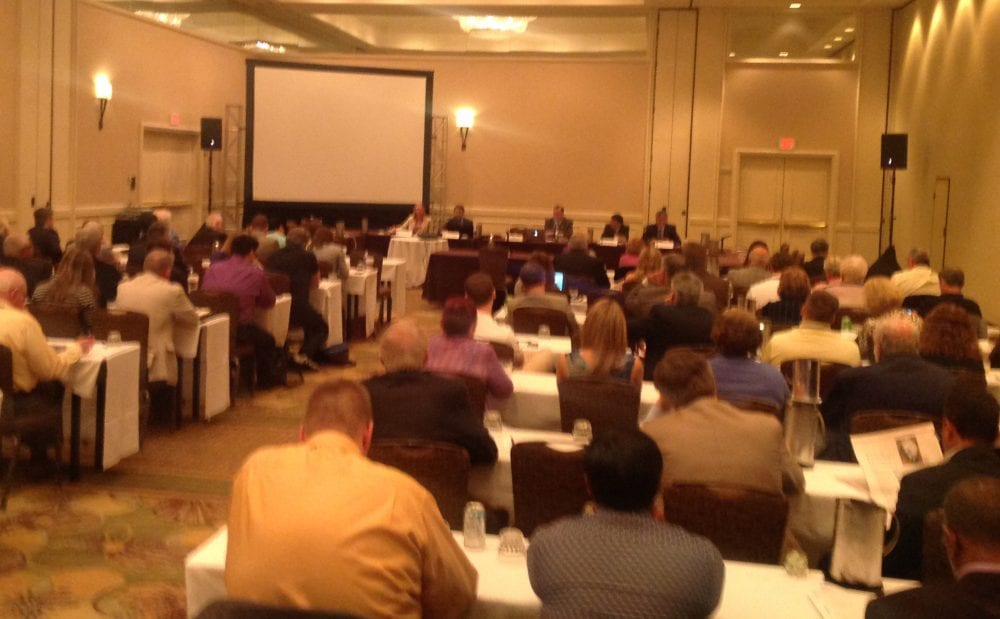 A full house for the lab directors round table at the RCI convention