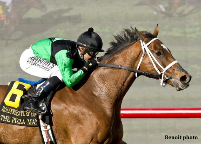 The Pizza Man and Mike Smith win the Hollywood Turf Cup by two lengths