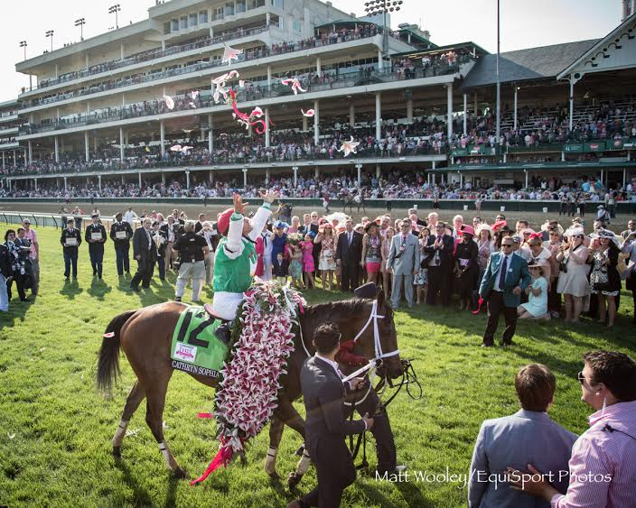 Record Crowd Of 124 589 Attends Oaks 142 At Churchill