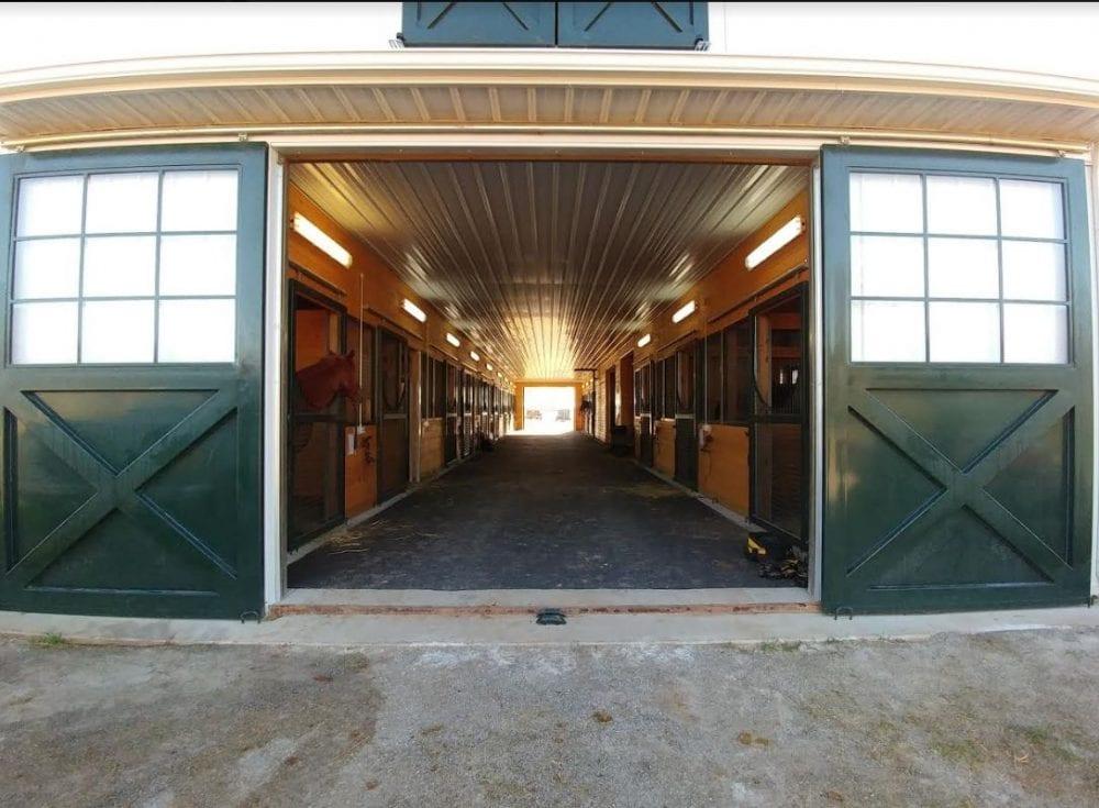 Flooring Key To Barn Aisle Safety Horse Racing News