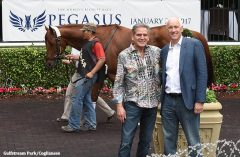 Randy Hill and Dean Reeves with BREAKING LUCKY schooling in the paddock at Gulfstream Park