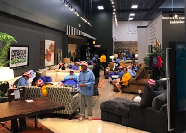 U0027Mattress Macku0027 Opens Gallery Furniture Locations As Shelters For Hurricane  Harvey Victims