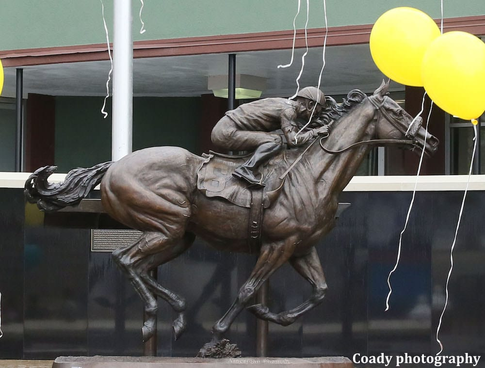 Paying Tribute To A Champion Oaklawn Park Unveils Statue