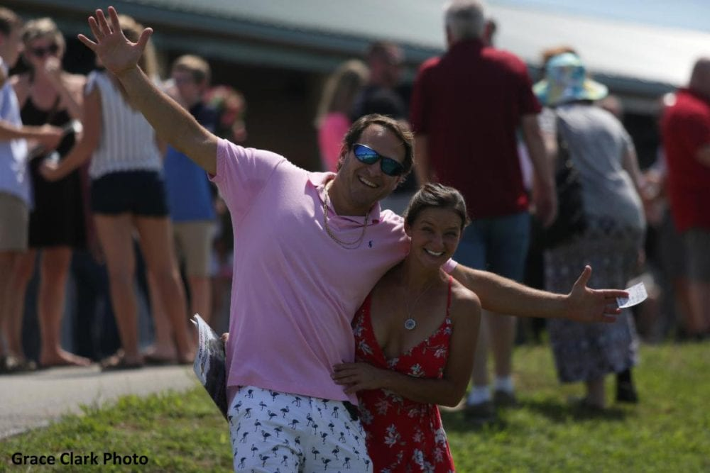 Wagering At Kentucky Downs Tops $8 4 Million On Opening Day